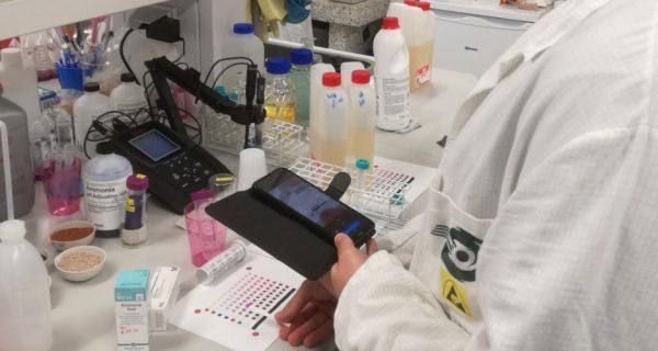 kuvituskuva: laboratoriotestin tekeminen