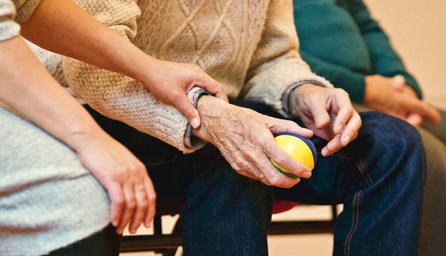 Vanhustyön webinaarit avointa oppimista tukemassa
